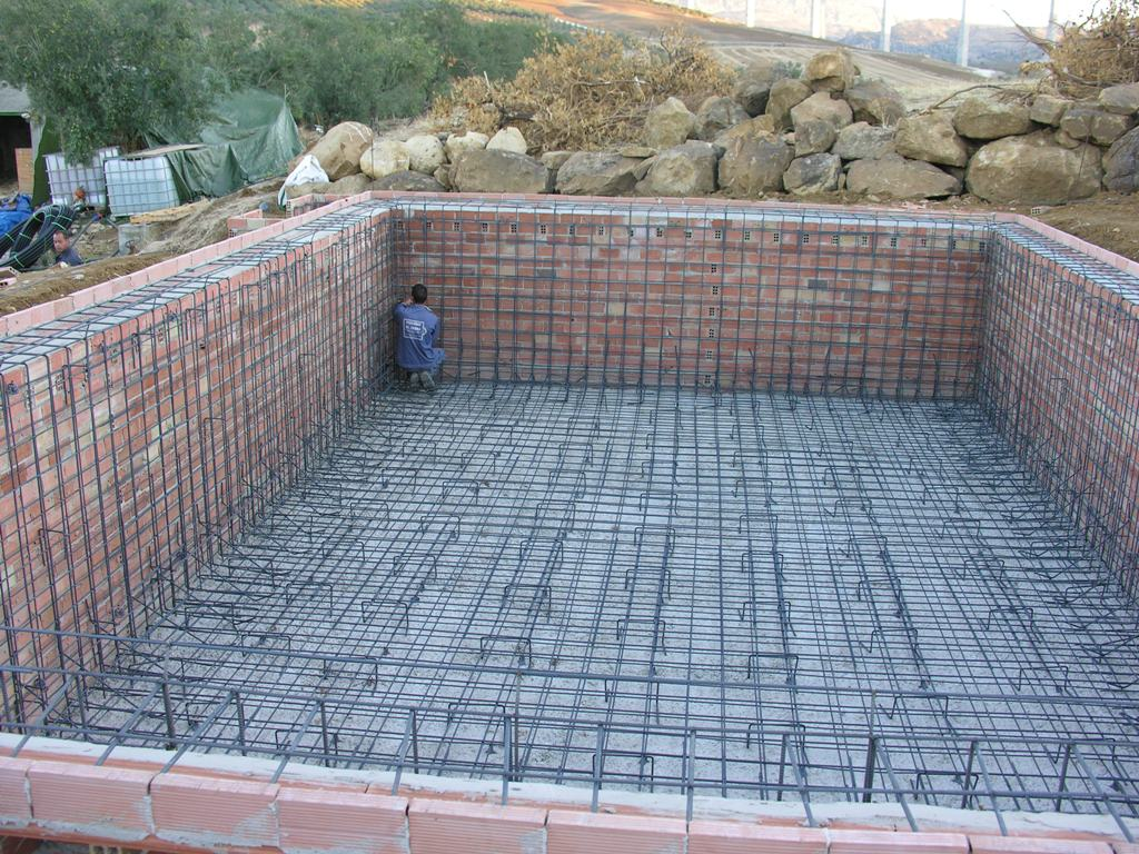 Tengri real estate swimming pool construction for Constructor piscinas